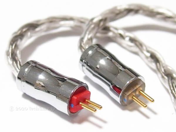 16芯銀メッキケーブル『NICEHCK C16-4』の2pinコネクターの白背景画像
