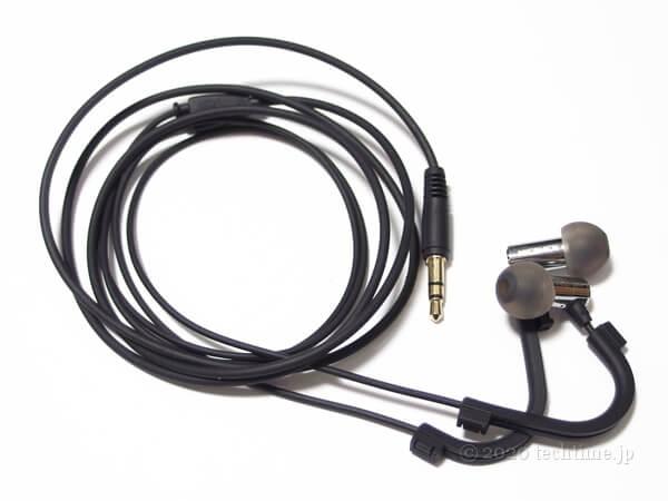 NICEHCK X49にfinalのイヤーフックBタイプを装着した状態の画像