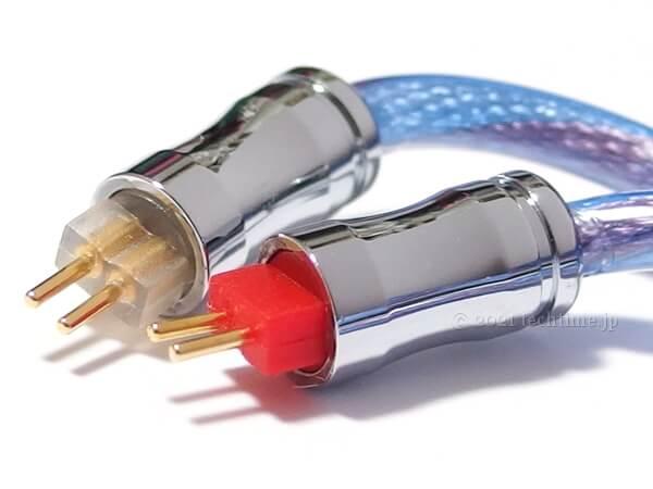2芯銀メッキ銅&5N単結晶銅ミックスケーブル『NICEHCK BlueIsland』の2pinコネクターの白背景画像