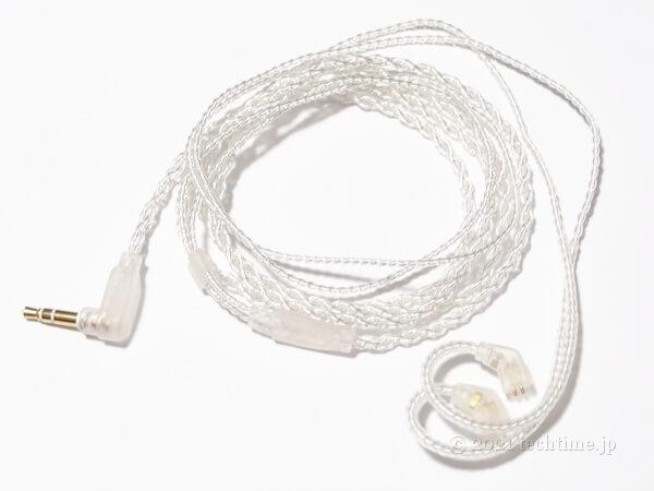 KBEAR Larkの付属ケーブルの白背景画像