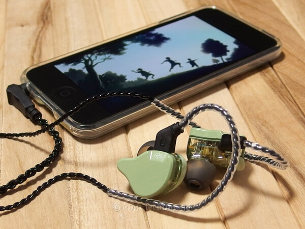 CCZ EmeraldとiPod touchの組み合わせの画像